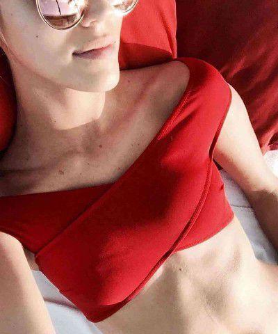 seksi kırmızı bikini takımı