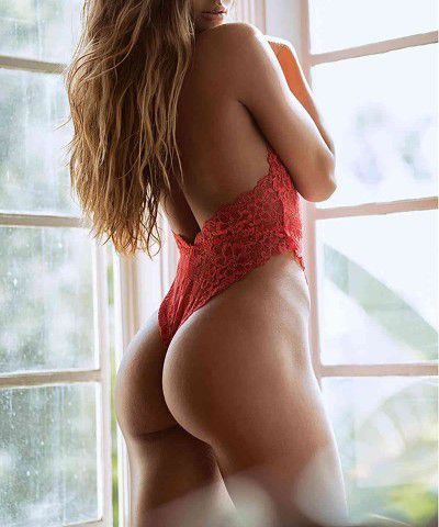 seksi kırmızı dantel gecelik